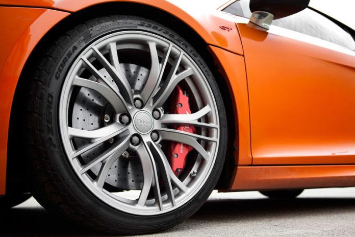 Сход развал колес автомобиля